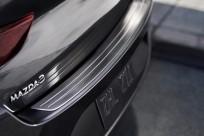 Listwa ochronna tylnego zderzaka do pojazdów z nadwoziem typu SDN wykonana ze stali nierdzewnej BDELV4080, Mazda 3 BP
